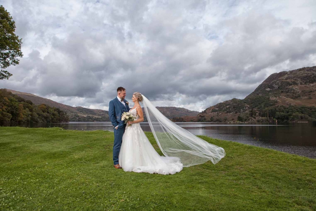Dramatic wedding photography at Inn On The Lake with SKL Photography